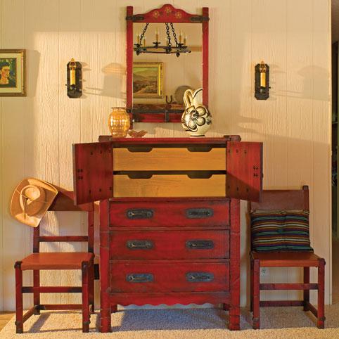 Keyhole Dresser